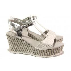 Анатомични дамски сандали Marco Tozzi 2-28319-22 бял | Немски сандали на платформа | MES.BG