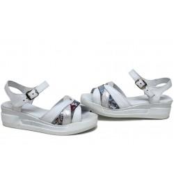 Равни български сандали, дамски, анатомични, естествена кожа, гъвкаво ходило / НЛМ 202-8218 бял сатен цветя / MES.BG