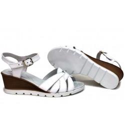 Анатомични български сандали, естествена кожа, платформа, олекотени, стилни / НЛМ 202-96199 бял / MES.BG