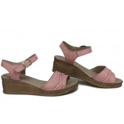 Дамски анатомични сандали, български, висококачествена естествена кожа, олекотени / НЛМ 239-18206 пудра / MES.BG