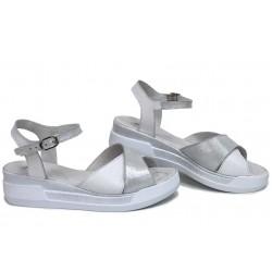 Анатомични равни сандали, естествена кожа, български, леки / НЛМ 240-8218 бял сатен / MES.BG