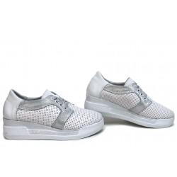 Български дамски обувки, летни, естествена кожа, анатомични / НЛМ 329-8218 бял / MES.BG