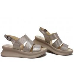 Дамски сандали, естествена кожа, катарама, анатомични, платформа, за всеки ден / НЛМ 330-359 бежов сатен / MES.BG
