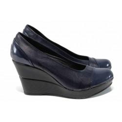 Български дамски обувки на висока платформа, естествена кожа, анатомично ходило / Ани 140-10383 син лак / MES.BG