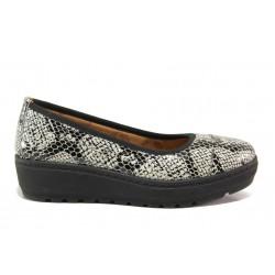 Дамски ортопедични обувки от естествена кожа SOFTMODE 2313 Michelle бял-черен змия | Дамски обувки на платформа | MES.BG