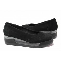 Велурени дамски обувки, анатомично ходило, платформа с комфортна височина / Ани 300-8218 черен / MES.BG