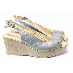 Български аннатомични сандали от естествена кожа, висока платформа, закопчаване-катарама / Ани 243-96145 океан / MES.BG