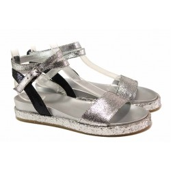 Комфортни дамски сандали в сребрист цвят, каишка около глезена, висококачествени материали / Ани 2680 сребро / MES.BG