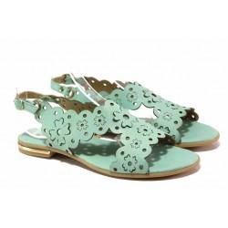 Равни дамски сандали с декоративна перфорация, естествена кожа, български обувки / Ани 1829 зелен / MES.BG