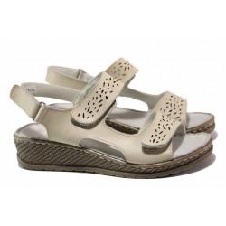 Комфортни дамски сандали в велкро закопчаване, естествена кожа, анатомична платформа / АБ RL13-20 бежов / MES.BG