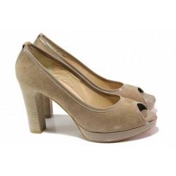 Елегантни дамски обувки, естествен велур и лак, висок ток, платформа, отворени пръсти / Ани 41750 таупе / MES.BG