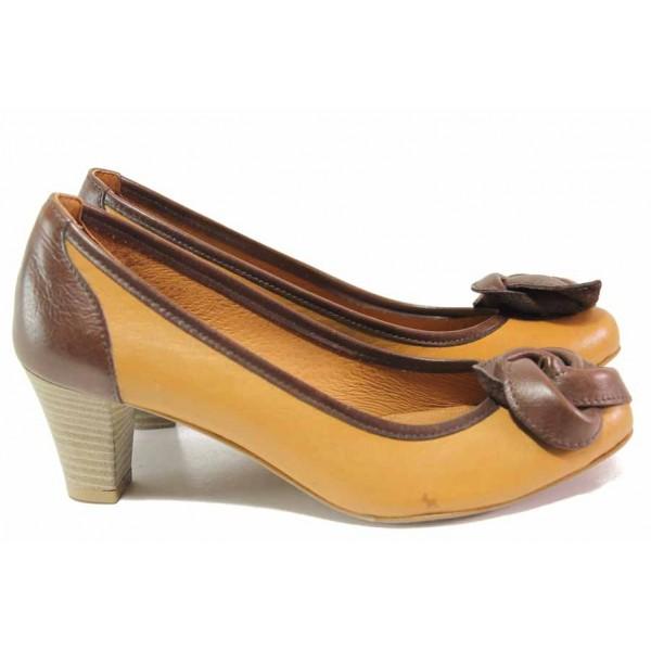 Дамски обувки с красиво цвете, естествена кожа, среден ток / Ани 31500 кафяв / MES.BG