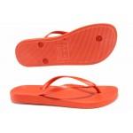 Равни анатомични чехли с лента между пръстите, гъвкаво и еластично ходило, висококачествен PVC материал / Ipanema 82591 червен / MES.BG