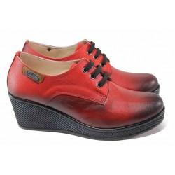 Анатомични дамски обувки от естествена кожа, платформа, връзки / МИ 130 червен / MES.BG