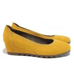 Дамски обувки на платформа, висококачествен еко-велур, Flex система, олекотени / Jana 8-22363-25 шафран / MES.BG
