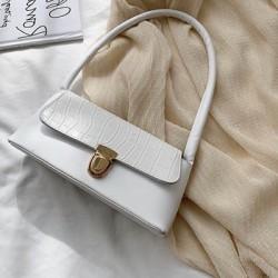 Чанта бяла