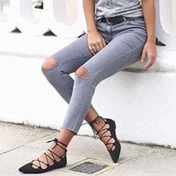 Съвети за съчетаване на обувките с дънките и клиновете
