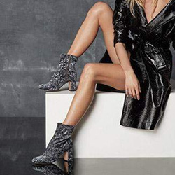 Идеи как да носите обувки с масивни токове