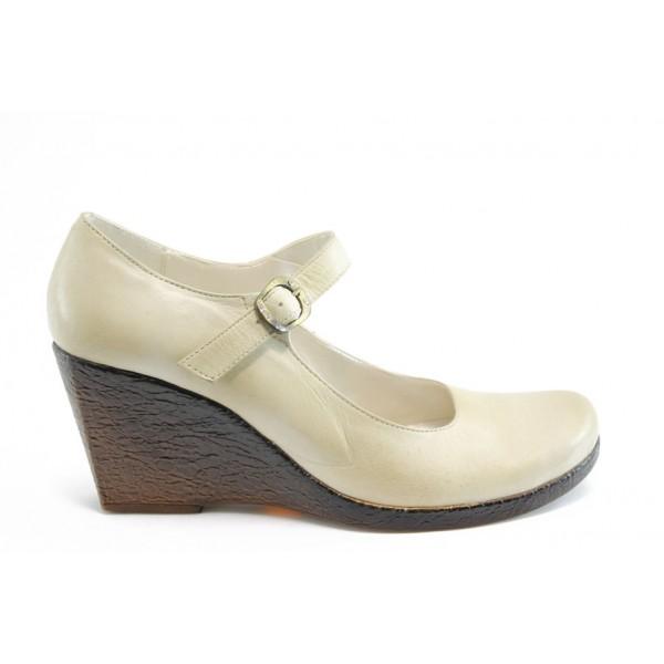 Дамски обувки на платформа АК 56