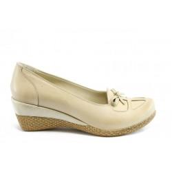 Дамски обувки на платформа естествена кожа АК К31