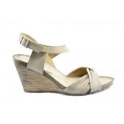 Дамски сандали на платформа ИО 1357БЕЖ