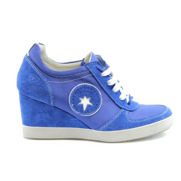 Дамски спортни обувки на платформа Tamaris 23700СИН