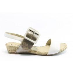 Равни немски сандали Caprice 28115БЯЛ