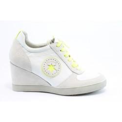 Дамски спортни обувки на платформа Tamaris 23700БЯЛ