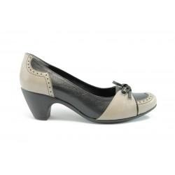 Дамски обувки на среден ток АК 221