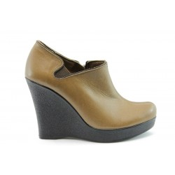 Дамски обувки на висока платформа МИ 131