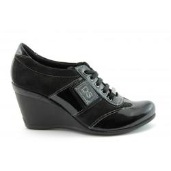 Спортни дамски обувки на платформа МИ661