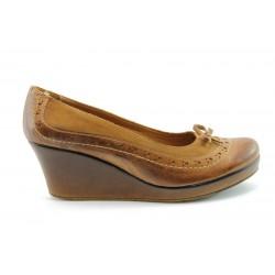 Дамски обувки на платформа АК 135Б