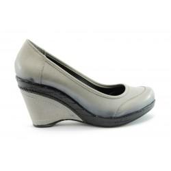 Дамски обувки на платформа МИ 1968С