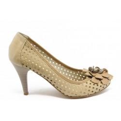 Дамски обувки с перфорация ГО 132 беж