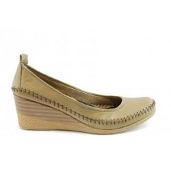 Дамски обувки на платформа МИ 150БЕЖ