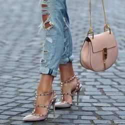 Съчетание на обувките с чантата