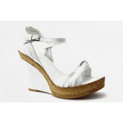 Дамски сандали на платформа МИ 18БЯЛ
