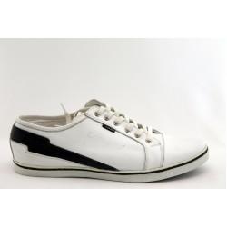 Мъжки спортни обувки КО 9774 бели