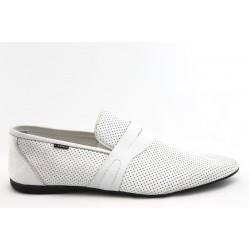 Мъжки обувки с перфорация КО 9880 бяло